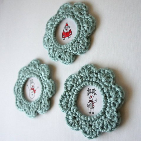 Whirly Picture Frame Crochet Pattern   Red Heart