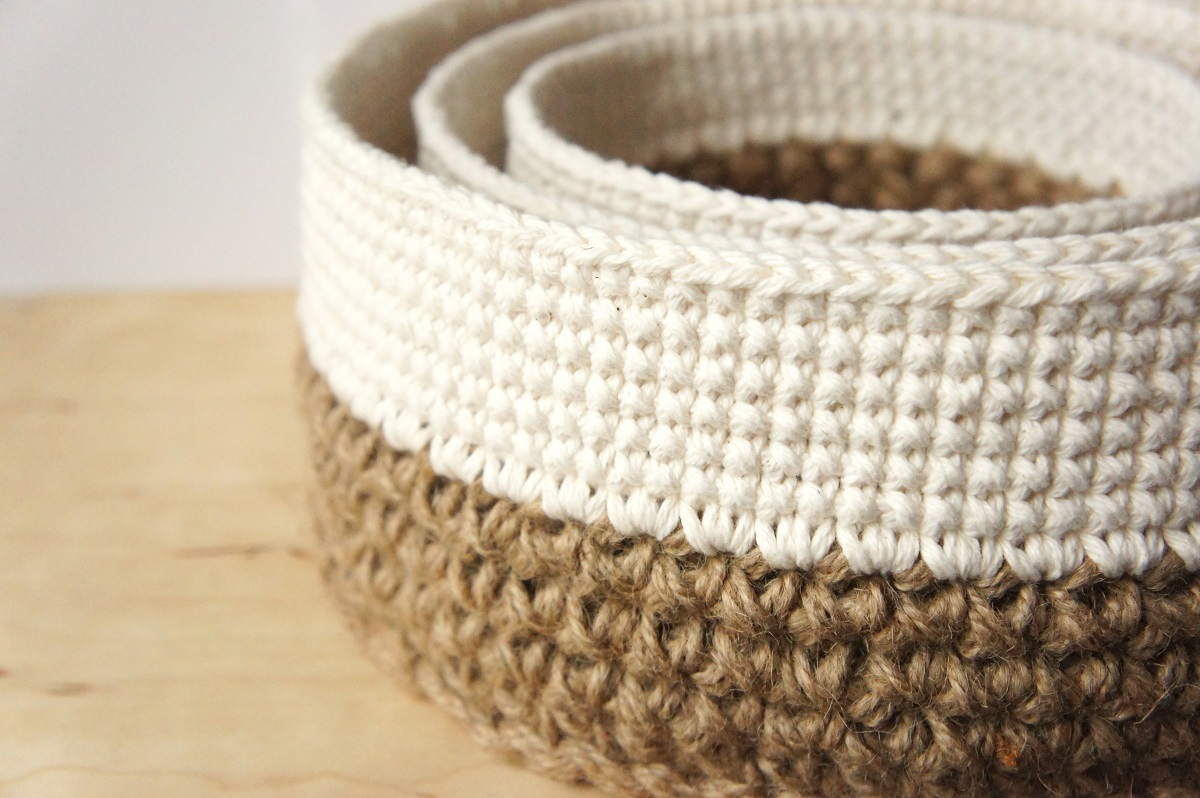 Free Patterns Crochet Baskets Bowls : crochet pattern: round stacking baskets ? JaKiGu