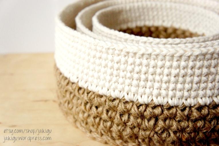 crochet pattern: round stacking baskets - JaKiGu