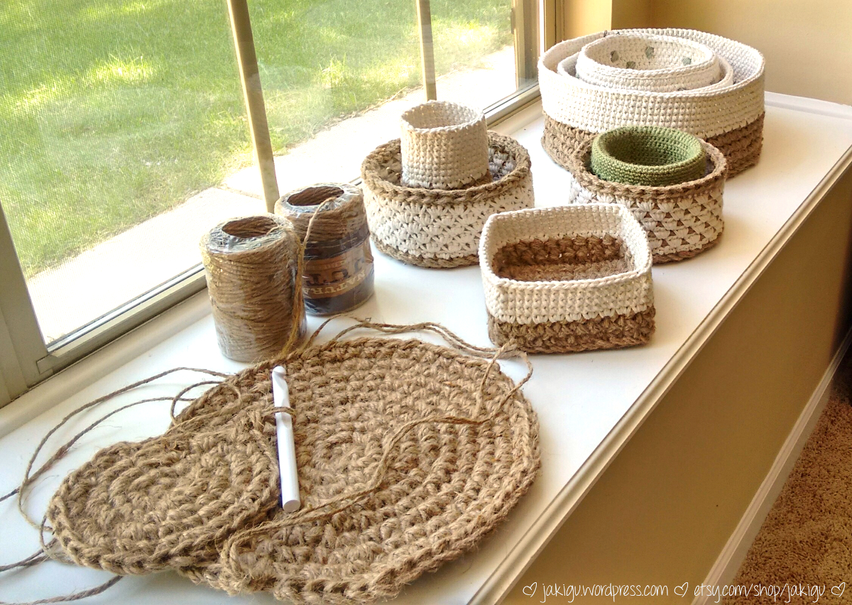 Crocheting Baskets : crochet pattern: stacking baskets JaKiGu